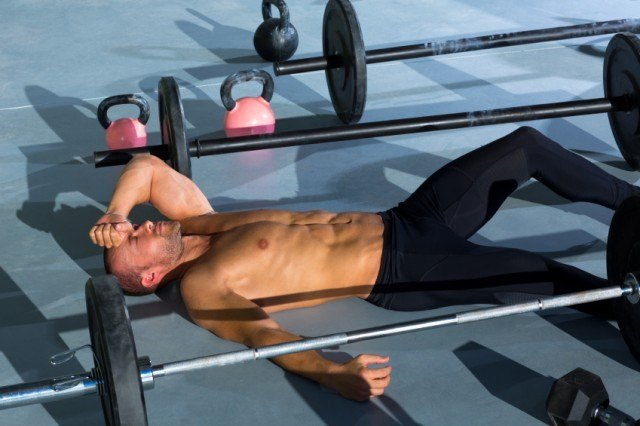 crossfit-man-tired-relaxed-after-workout-640x426-640x426