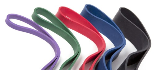 the-right-way-to-make-a-resistance-band-workout-1b